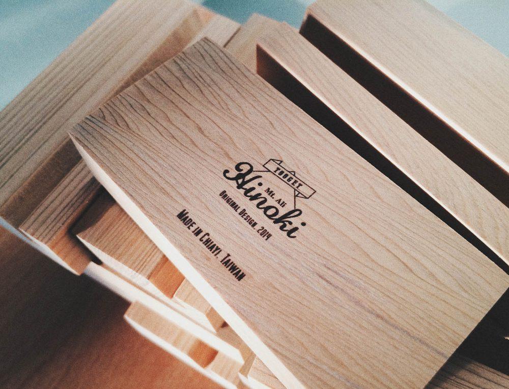 檜木明信片+底座設計/印製(UV直噴)